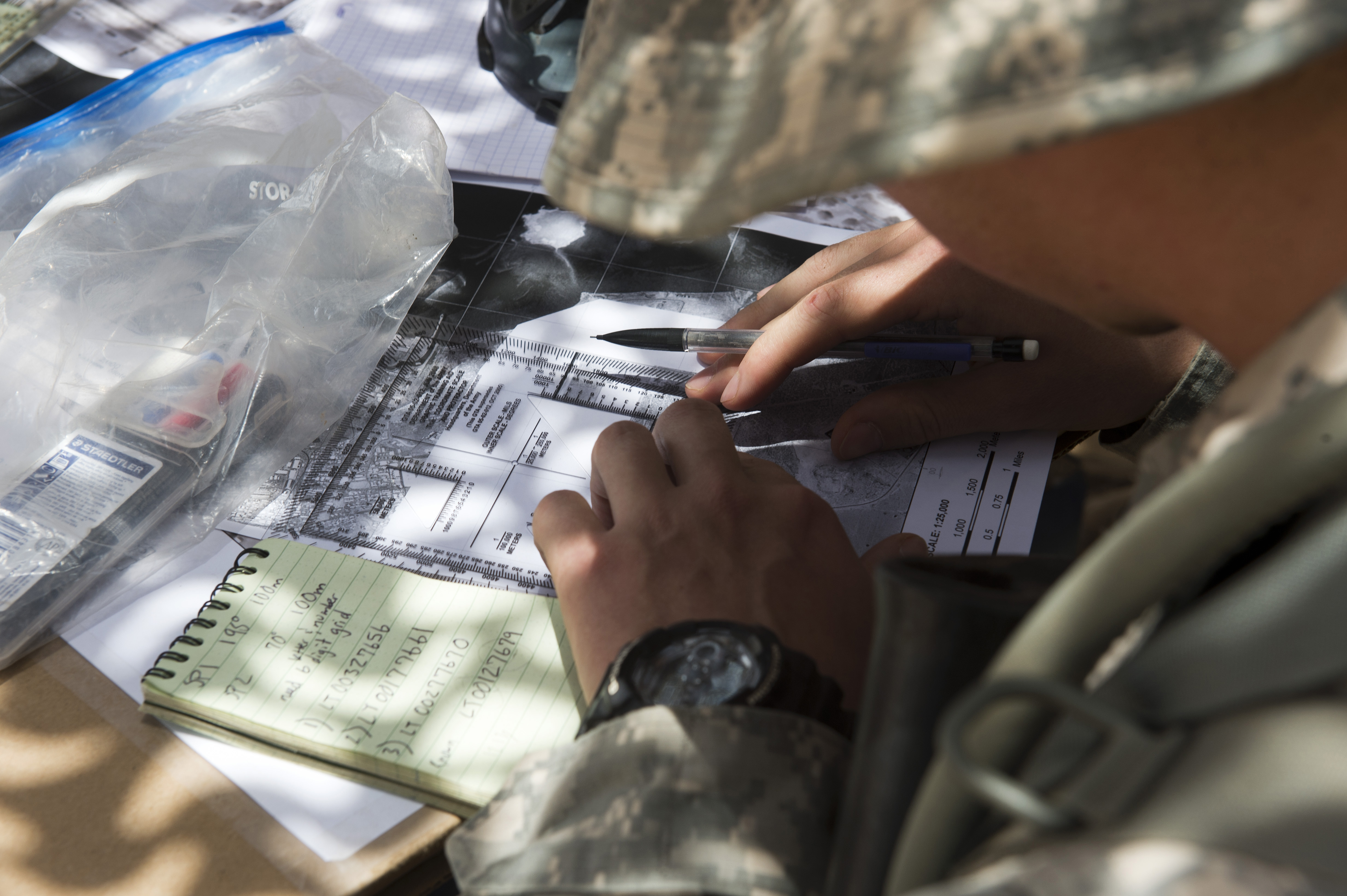 Th Armor Regiment Soldier Plots Grid Points On Field Map During - Us armor unit map