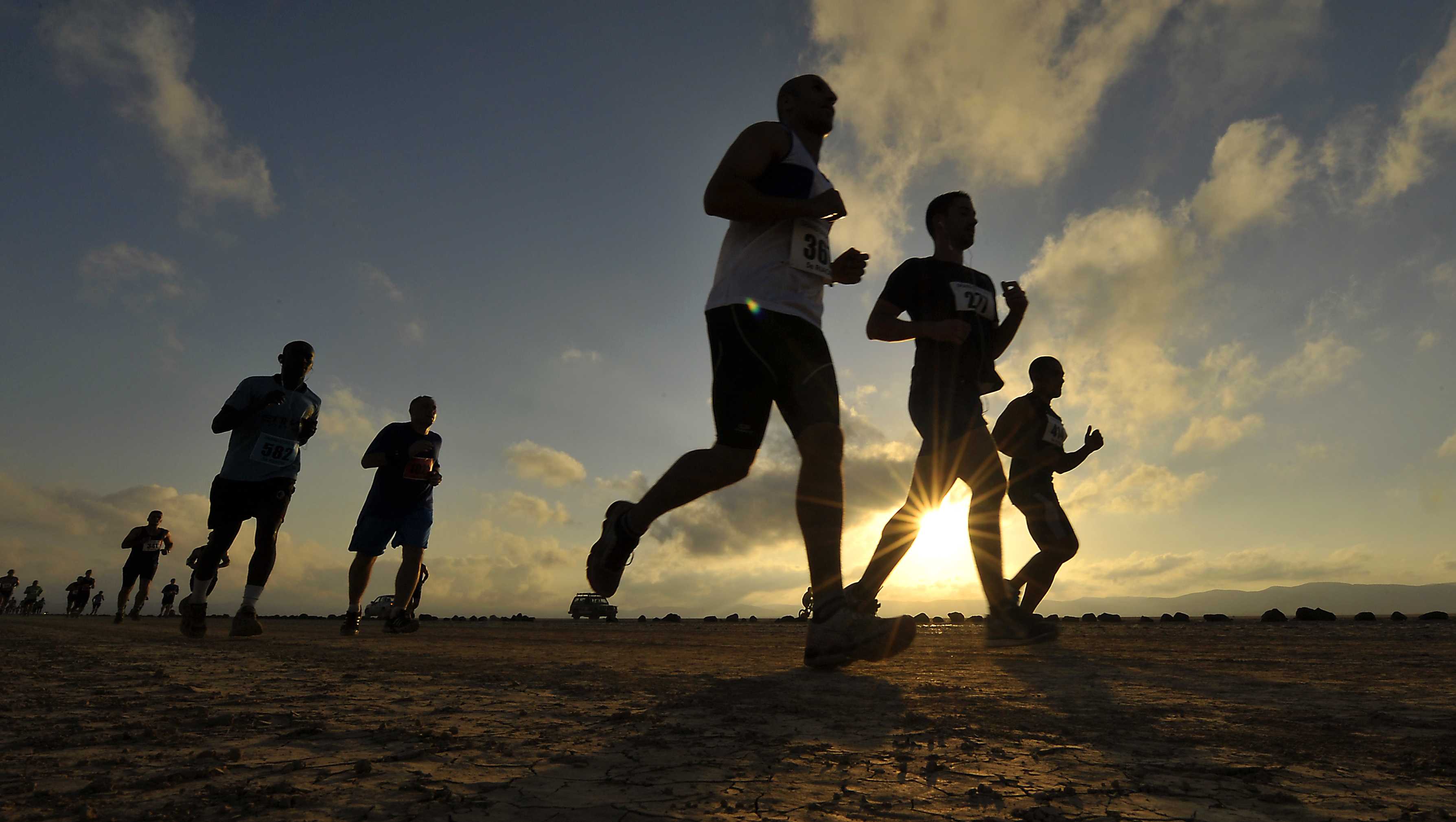 Runners make their way across the Grand Bara Desert during the Annual Grand Bara 15K race Dec. 17, 2015, in Djibouti. More than 1,500 runners from different countries participated in the desert race. (U.S. Air Force photo by Tech. Sgt. Dan DeCook)