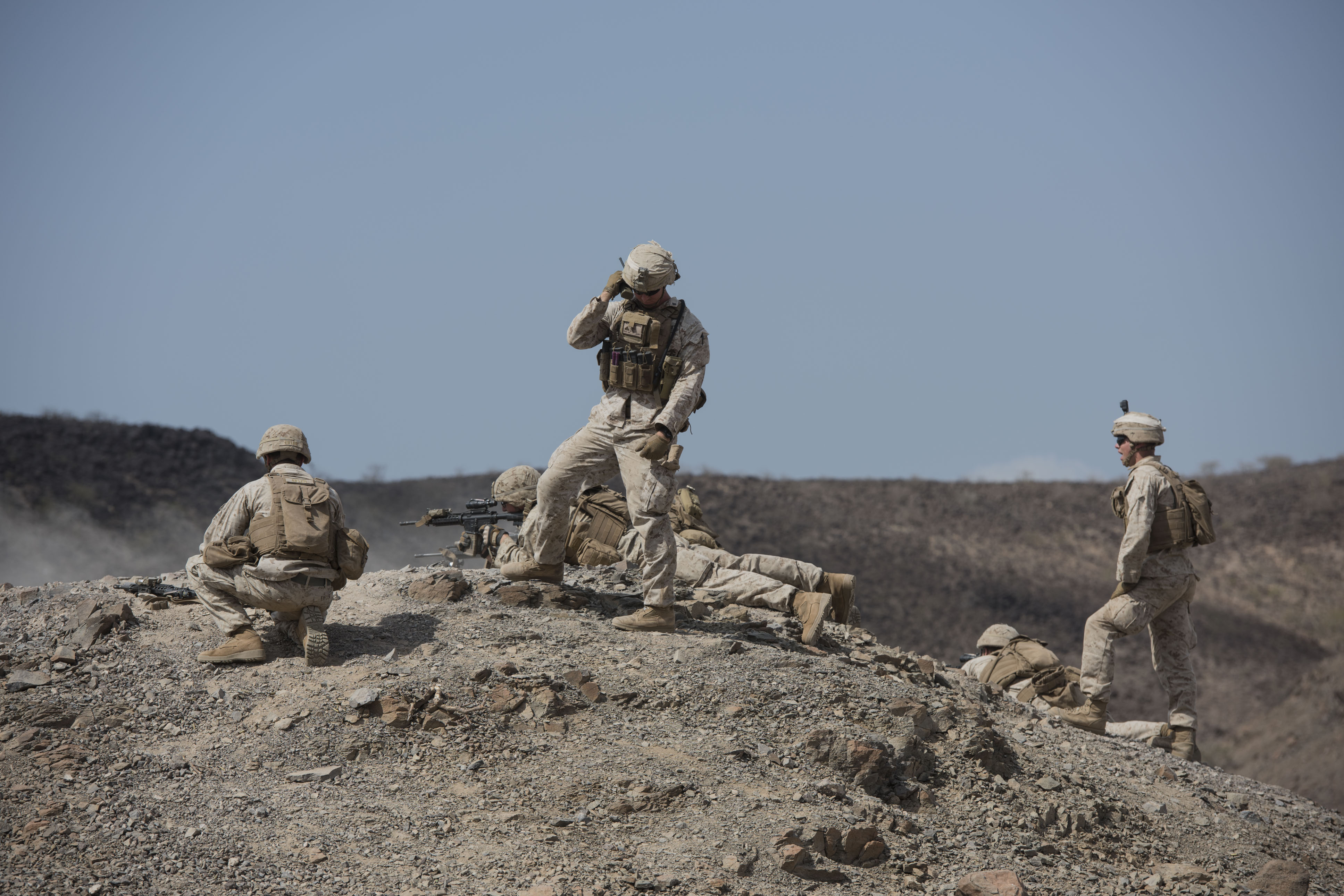 U.S. Marines with the 15th Marine Expeditionary Unit take aim at a target during Alligator Dagger at Arta Range, Djibouti, Dec. 17, 2017. Alligator Dagger, led by Naval Amphibious Force, Task Force 51/5th Marine Expeditionary Brigade, is a dedicated, bilateral combat rehearsal that combines U.S. and French forces to practice, rehearse and exercise integrated capabilities available to U.S. Central Command both afloat and ashore. (U.S. Air National Guard photo by Staff Sgt. Allyson L. Manners)