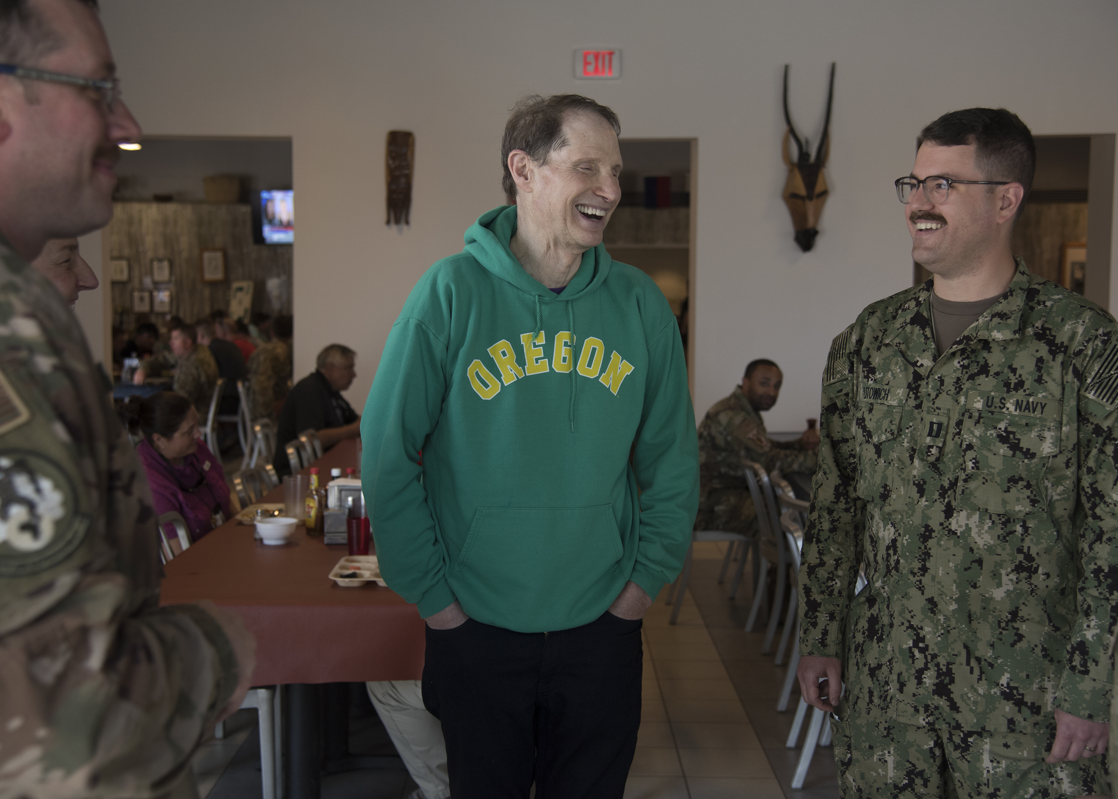 U.S. Sen. Ron Wyden (D-OR) meets with service members from Oregon deployed to Combined Joint Task Force-Horn of Africa (CJTF-HOA), Djibouti, April 26, 2019. Wyden traveled to Djibouti to visit U.S. forces and embassy officials and to meet with national defense leaders to understand the current posture of readiness and security. (U.S. Air Force photo by Senior Airman Kirsten Brandes)