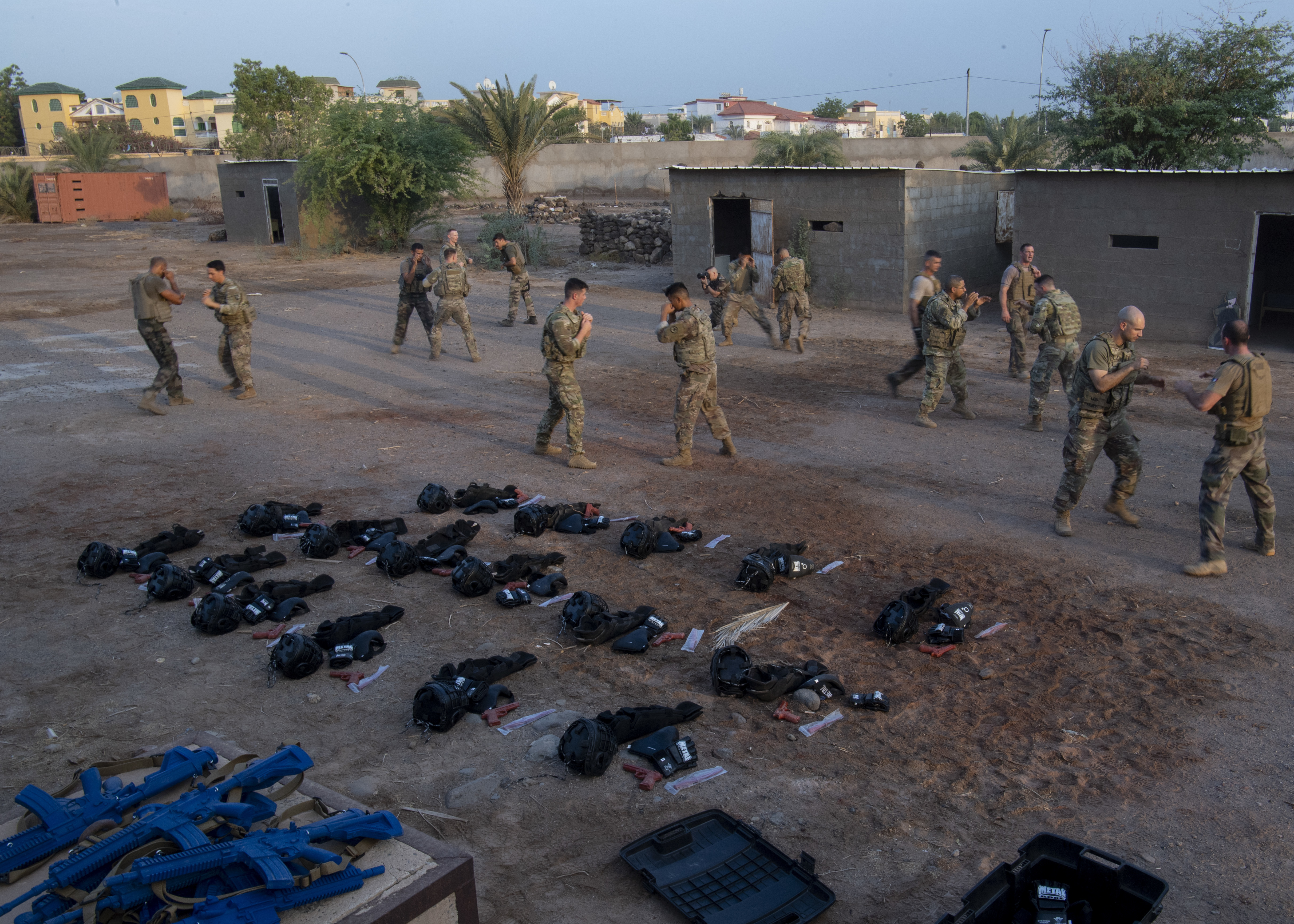 U.S. Army Soldiers assigned to Combined Joint Task Force-Horn of Africa (CJTF-HOA) and French Marines assigned to the 5th Overseas Intermarines Regiment (RIAOM) participated in a combatives exchange training at Djibouti Air Base, Djibouti, Sept. 2, 2019. The purpose of the joint training was to share French Marine and U.S. Army combative techniques and further the relationship between the two forces. (U.S. Air Force photo by Staff Sgt. J.D. Strong II)